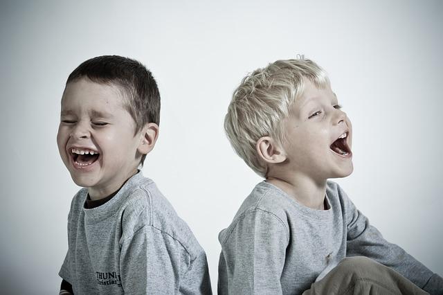 šťastný chlapci